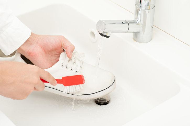 zapatillas blancas como el primer día