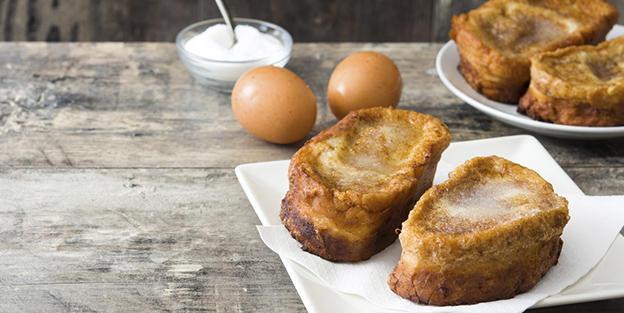 ¿De dónde viene la tradición de preparar torrijas en Semana Santa?