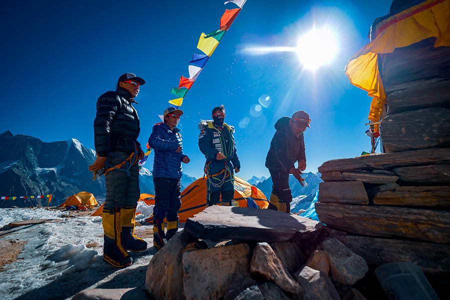 Semana decisiva para la expedición de Alex Txikon
